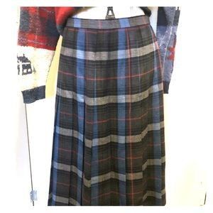 ♨️Vintage♨️Authentic Plaid Pleaded skirt